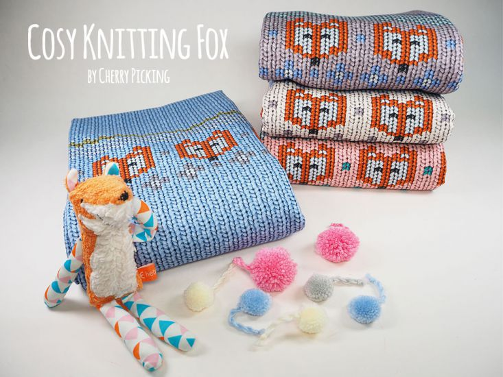 "Sommer-Sweat ""Cosy knitting fox"" by Cherry Picking - Strickmuster Füchse, hellblau"